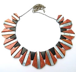 Red coral geometic necklace